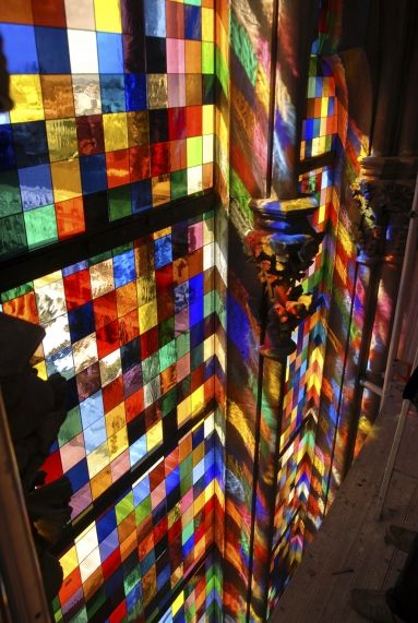 Cologne Cathedral | pixelated 2007 design of Gerhart Richter's 1,184 square foot stained glass window, 'Symphony of Light'