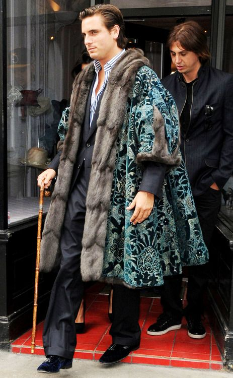 I'm in this big ass coat From that thrift shop down the road I wear your granddad's clothes (damn right) I look incredible (now come on man)