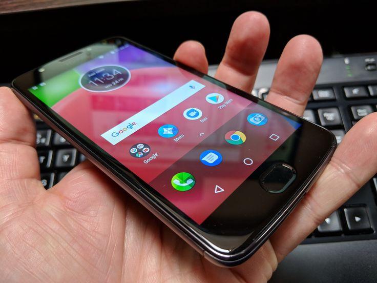 Motorola Moto E4: Design generic, dar măcar e pe bază de metal