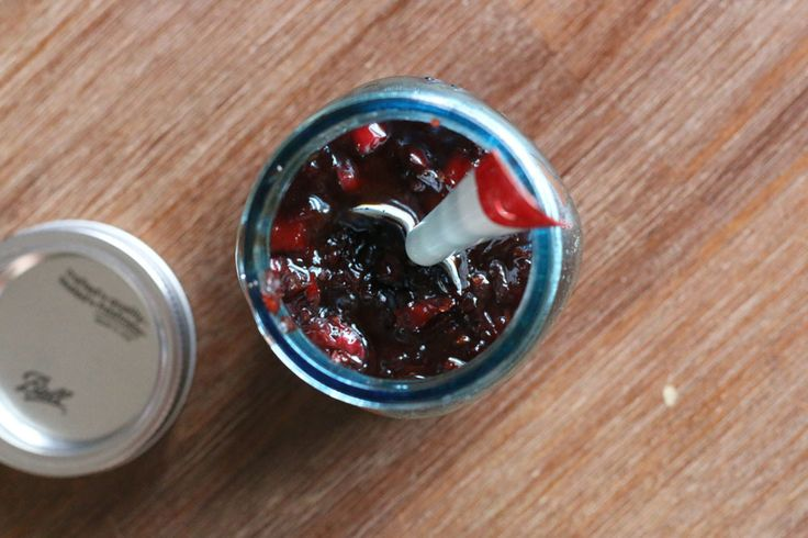 spiced redcurrant onion relish @ laurasmess.me