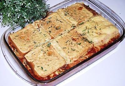 Zapiekanka tostowa z mięsem mielonym