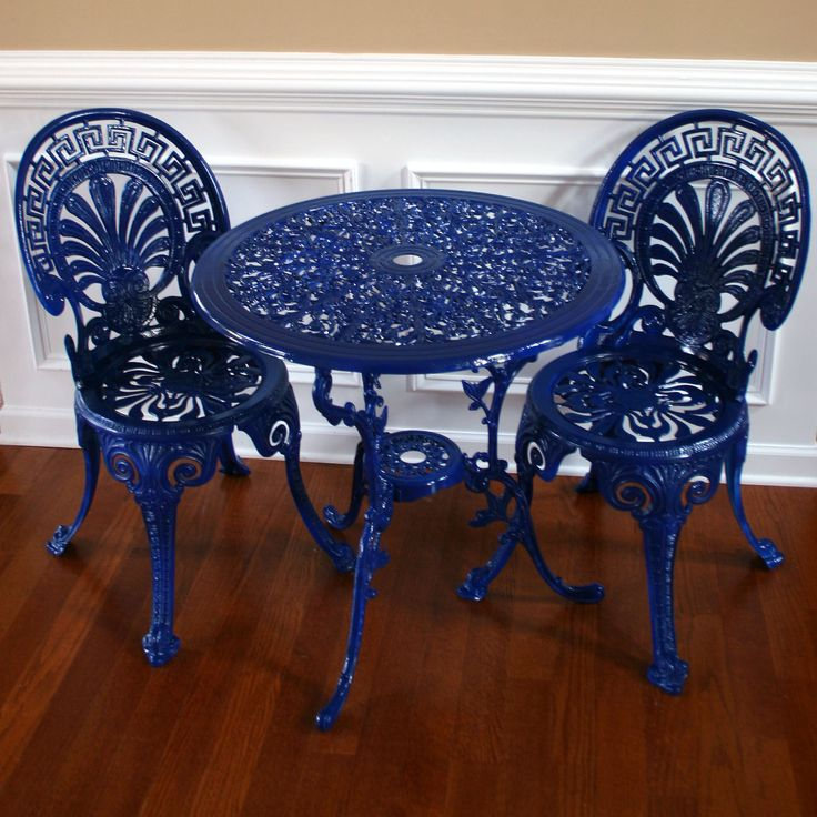 Chinoiserie Blue Vintage Patio Table And Chairs. Garden Furniture. Sun  Room. Regal Federal Blue. Peacock Fan Back. Greek Key. Nautical