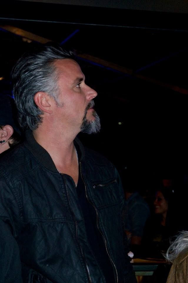 29 best images about richard rawlings on pinterest sexy silver foxes and richard rawlings. Black Bedroom Furniture Sets. Home Design Ideas