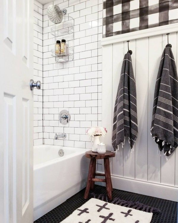 Check out this modern #farmhouse bathroom decor idea with rustic paneling. Love it! #HomeDecorIdeas @istandarddesign