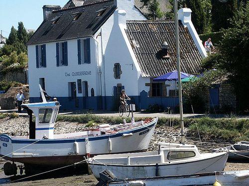 Chez Charlemagne, un bar restaurant à l'Île aux Moine.