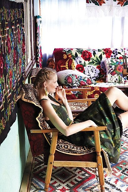 The American brand Anthropologie created a beautiful collection inspired by the garb, the village and the people from Maramures. The clothes, as well as the photoshoot's setting had as a point of departure the traditional Romanian village.