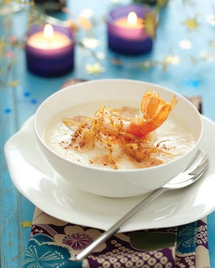 Velouté de chou-fleur aux langoustines et foie gras croquant de sésame : la recette facile