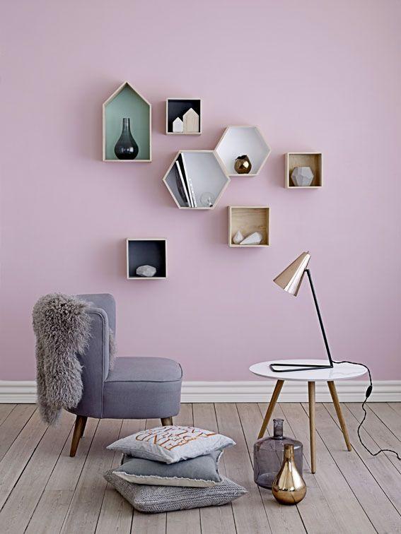 Hele mooie kleur roze, een beetje vergrijsd. Voor meer inspiratie, interieurstyling, verkoopstyling en woningfotografie. www.stylingentrends.nl of www.facebook.com/stylingentrends