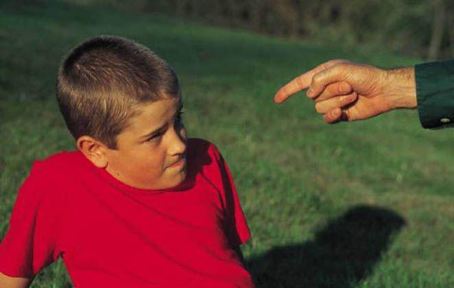 Οι 5 παγίδες που πρέπει να αποφύγετε για να μη βλάψετε το παιδί σας