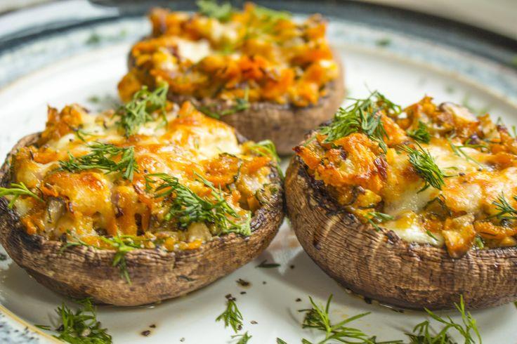 http://vitamincook.com/recipes/фаршированные-грибы/