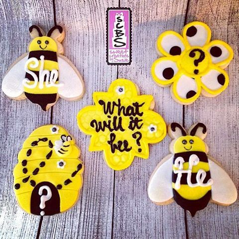 Adorable cookies by @sweetcreationsbysusie for a baby announcement using Cookie Cutter Kingdom!