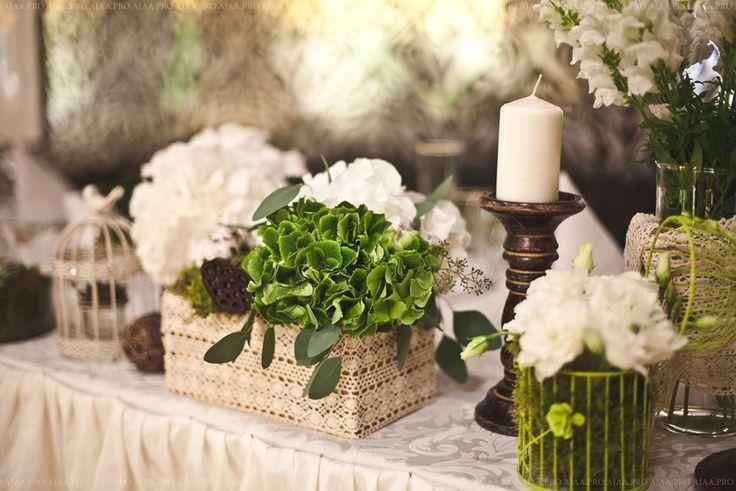 многие цветы в горшках для украшения свадьбы фото так