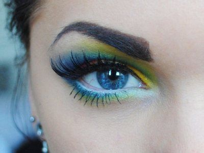 """Dory from """"Finding Nemo"""" eye makeup :)"""