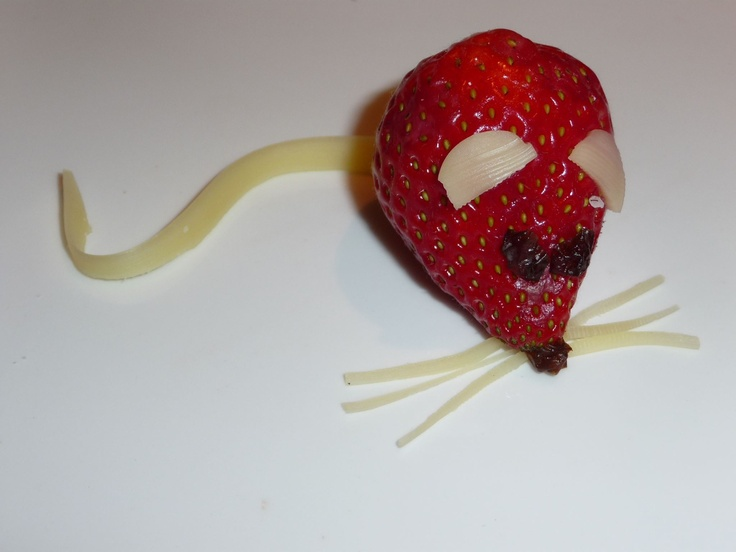 Strawberry and cheese mice! See more on facebook: Yibba Yabba Mama