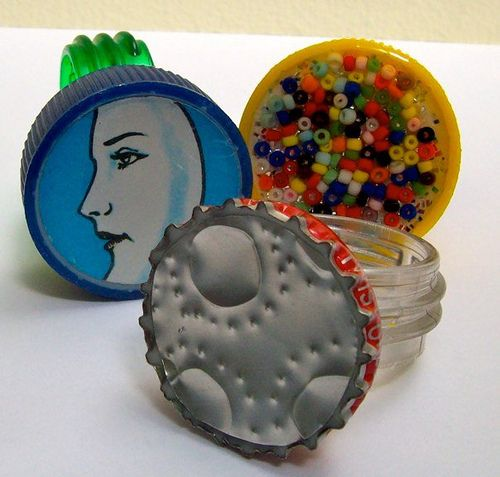 17 best images about plastic bottle cap crafts on for Water bottle cap crafts