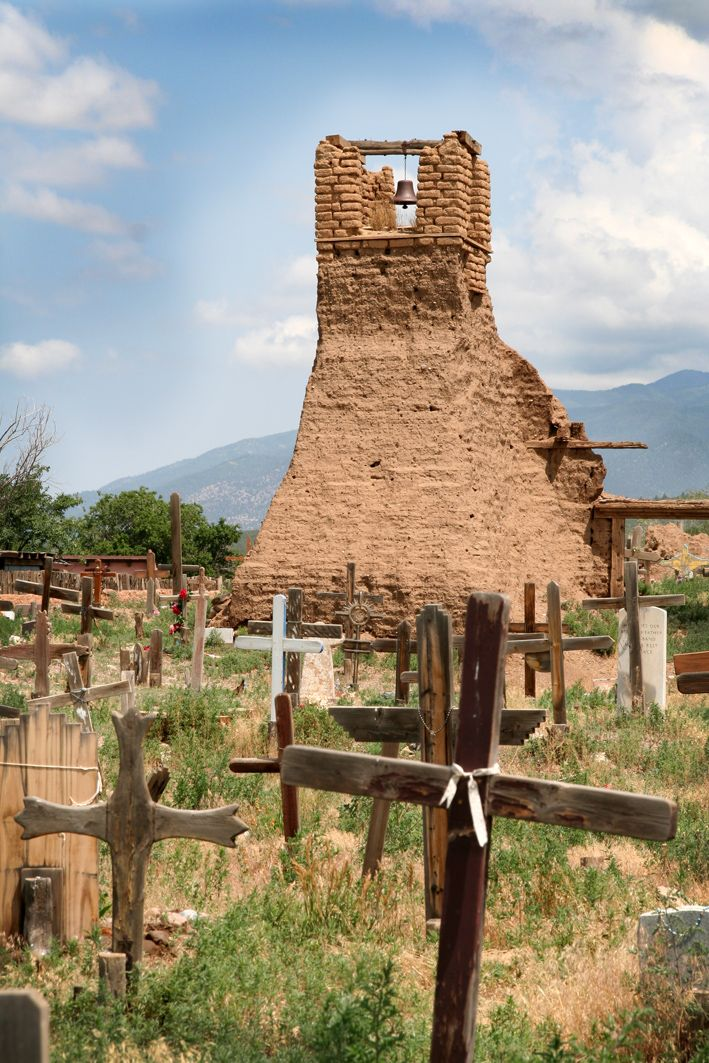 Pueblo de Taos, New Mexico- It was wonderful strolling around and visiting with the Native Artists.