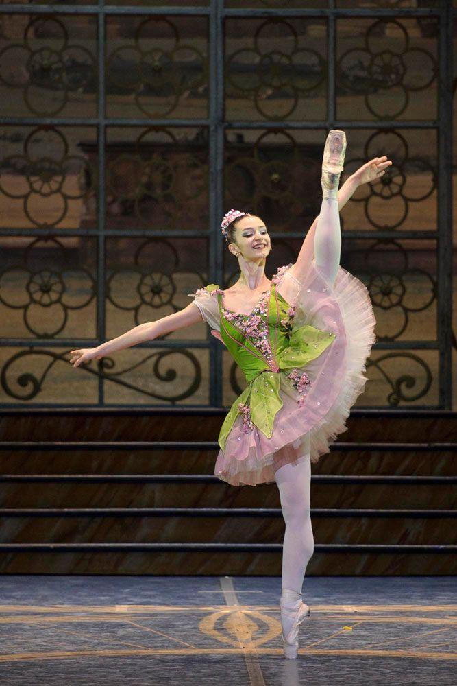 Marianna Suriano as the Lilac Fairy in The Sleeping Beauty. © Francesco Squeglia.