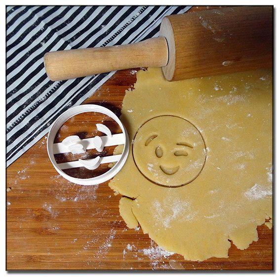 Emporte-Pièce 3D Emoticone Emoji Smiley Clin par pimpmonsable