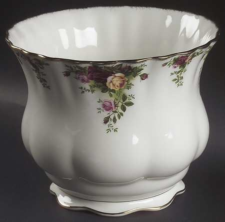 Large Planter In The Old Country Roses Pattern By Royal