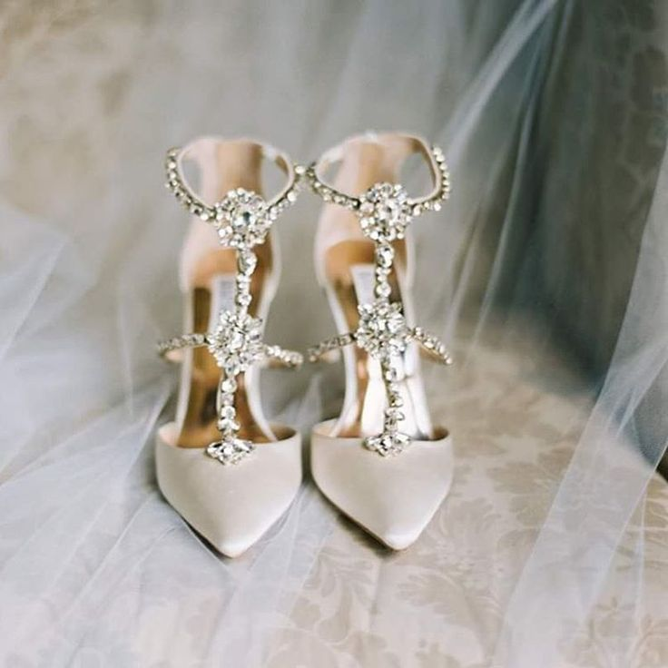 shoes for wedding dress 2 17 best ideas about bridal shoes on wedding 7338