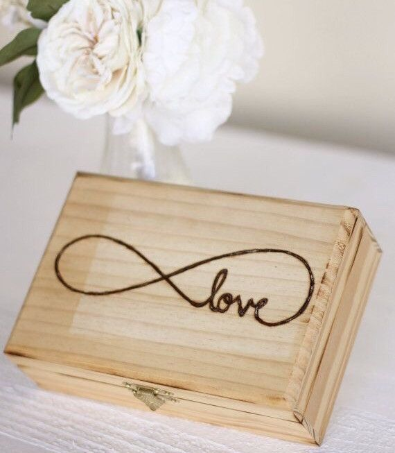 Rustic love keepsake box! What a fabulous gift for a wedding shower, anniversary, or birthday gift. This love keepsake gift box is a great gift and is awesome to use in the future to store watches, ke