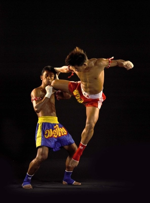 Crazy muay Thai kick to the face love it!