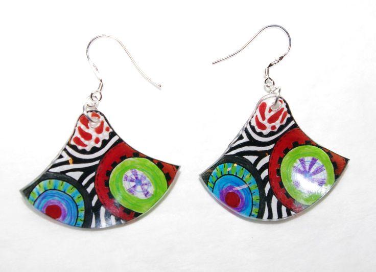 jolies boucles d'oreilles triangulaires multicolores ethniques : Boucles d'oreille par l-atelier-des-milidines