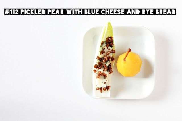 Delicious Tapas: Pickled pear with blue cheese and rye bread #112