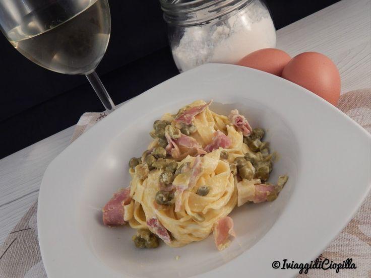 Fettuccine all'uovo con Speck Gustos, piselli e panna
