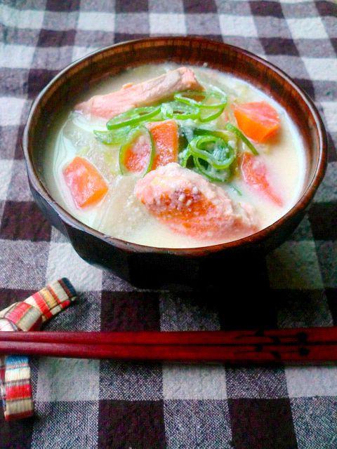 鮭の豆乳味噌汁 - 朝ごはんレシピ/朝時間.jp by レシピブログ