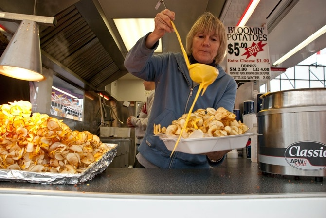 Snackshot of the Day: Bloomin' Potatoes, Circleville Pumpkin Show -WHERE THE FUCK WAS THIS FOOD STAND AT!?