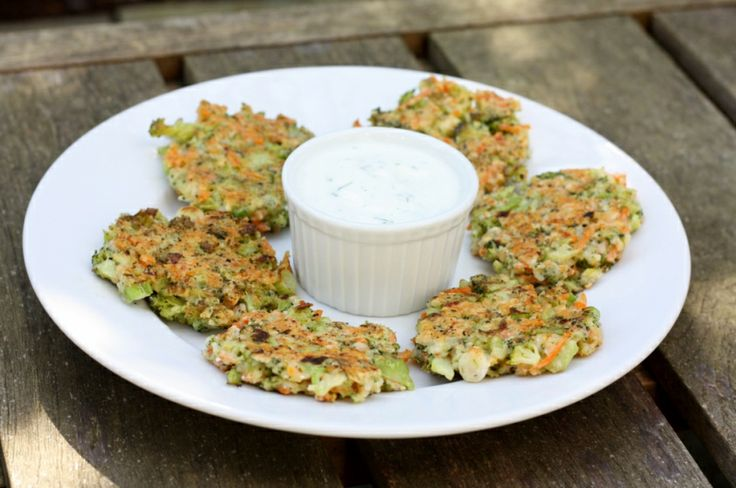 Crispy Broccoli-Carrot Fritters | First Look, Then Cook | Pinterest