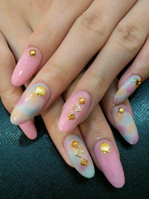 W pastelowych kolorach http://salon.nailcraft.co.jp/