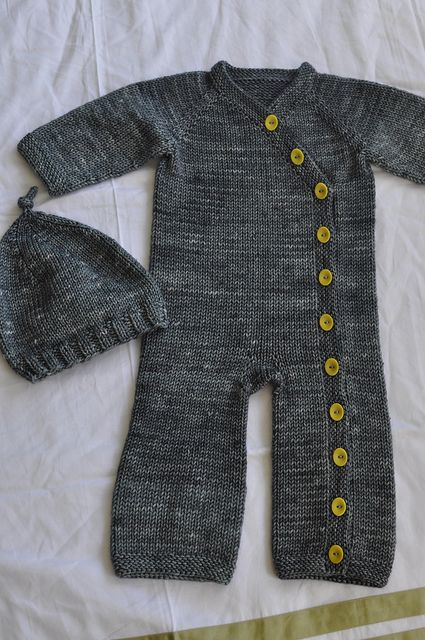Gift wrap romper by Carina Spencer. Pattern on ravelry.