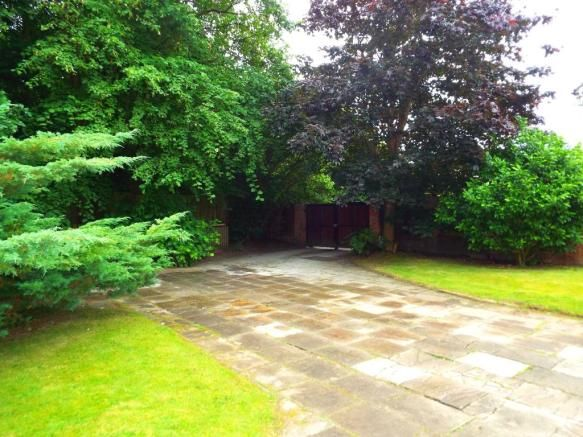 4 bedroom detached house for sale in Parkfields Lane, Fearnhead, Warrington, Cheshire, WA2