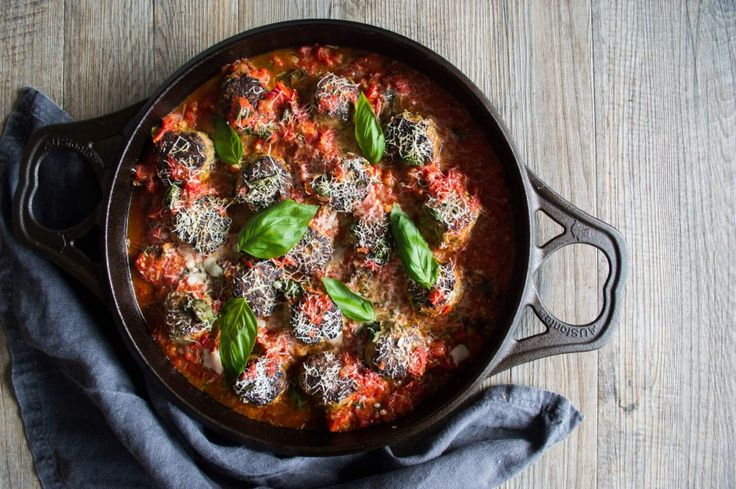 Well Nourished ⎮ Turkey & Sage Spaghetti Meatballs - These Turkey and Sage Spaghetti Meatballs are a nutritionally balanced, easy to make delicious meal for the whole family. Gluten and dairy free.