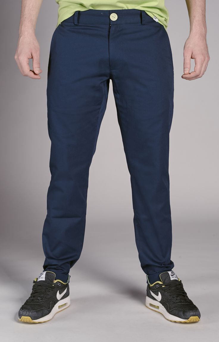 Amokrun Navyfresh Chino Pants. Navy blue chino pants with classic cut. www.amokrun.com