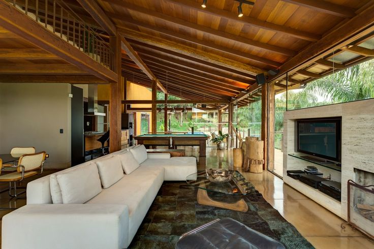 Contemporary Country House in Brazil   designed by Ana Cristina Faria in collaboration with Maria Flavia Melo