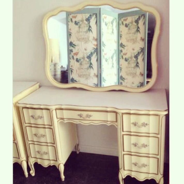 This Rare French Provincial Vintage Vanity Is An Absolute Beauty! Made By Dixie  Furniture Company