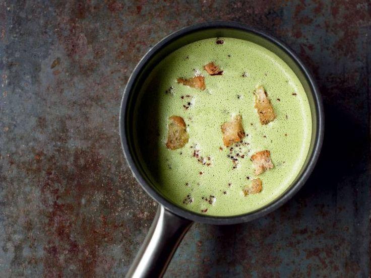 Suppe. Grønnkålsuppe med bacon og krutonger av Terje Ness. Foto: Lars Petter…