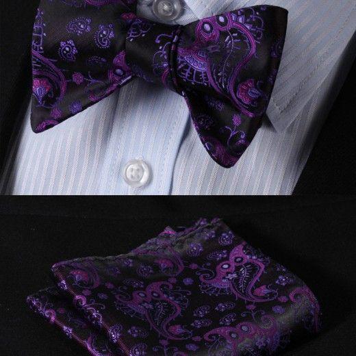 Elegantný hodvábny set - motýlik a vreckovka so vzorom v čierno-fialovej farbe