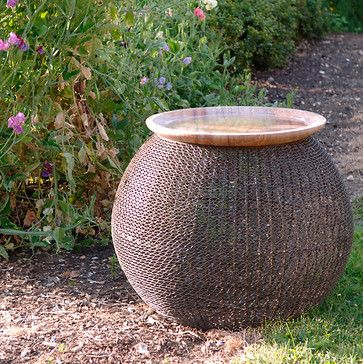Foras Jay Birdbath/Feeder contemporary bird baths