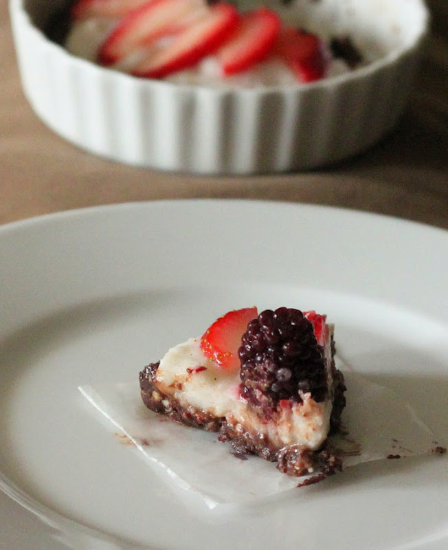 Hobby And More: No Bake Single Serve Chocolate Cream Berry Fireworks Pie. vegan; gluten and soy free recipe