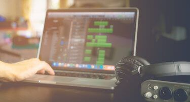 Our Pick on the Best Budget Laptop for Music Production under $500 for 2017. The Cheapest Music Producers Laptops for Producers on a Small Budget.