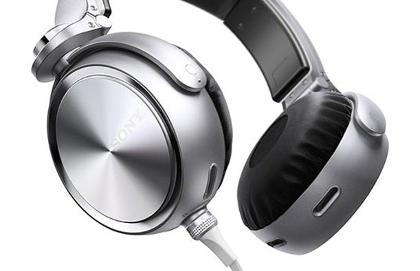 Hands on: SONY MDR-XB910