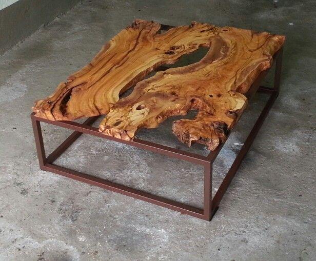 Mesa de centro madera olivo centenario mesa de centro for Mesas de centro de madera