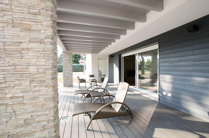 Villa Biohaus, portico legno e pietra  Architettura - design