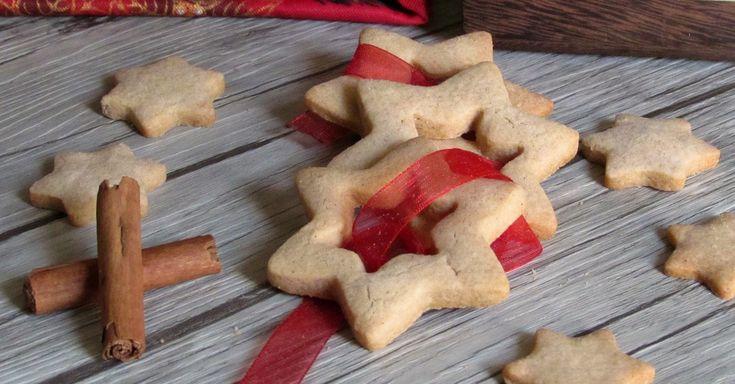 Come preparare i biscotti alla cannella fragranti e profumati biscotti da regalare per Natale o da usare come segnaposto ricetta facile anche senza glutine