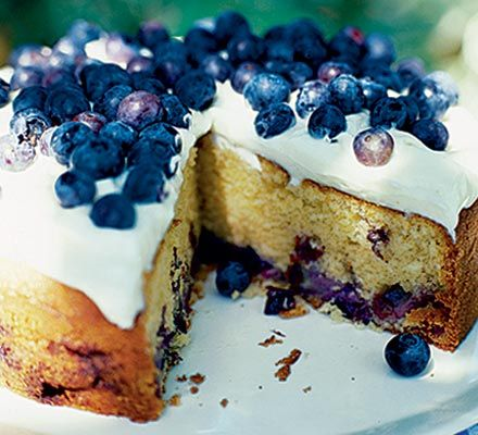 Blueberry soured cream cake with cheesecake frosting...yummy, I'm going to make this tomorrow