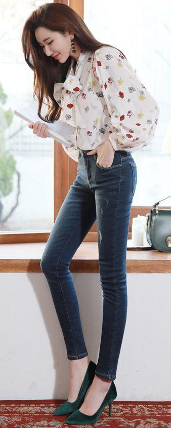 StyleOnme_Indigo Blue Wash Fleece-lined Skinny Jeans #stylish #blue #skinny #jeans #koreanfashion #kstyle #kfashion #dailylook #seoul